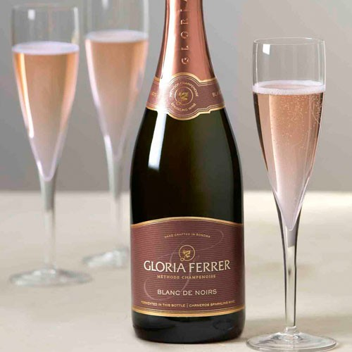 Sparkle This NYE With These Top Bubbly Picks!